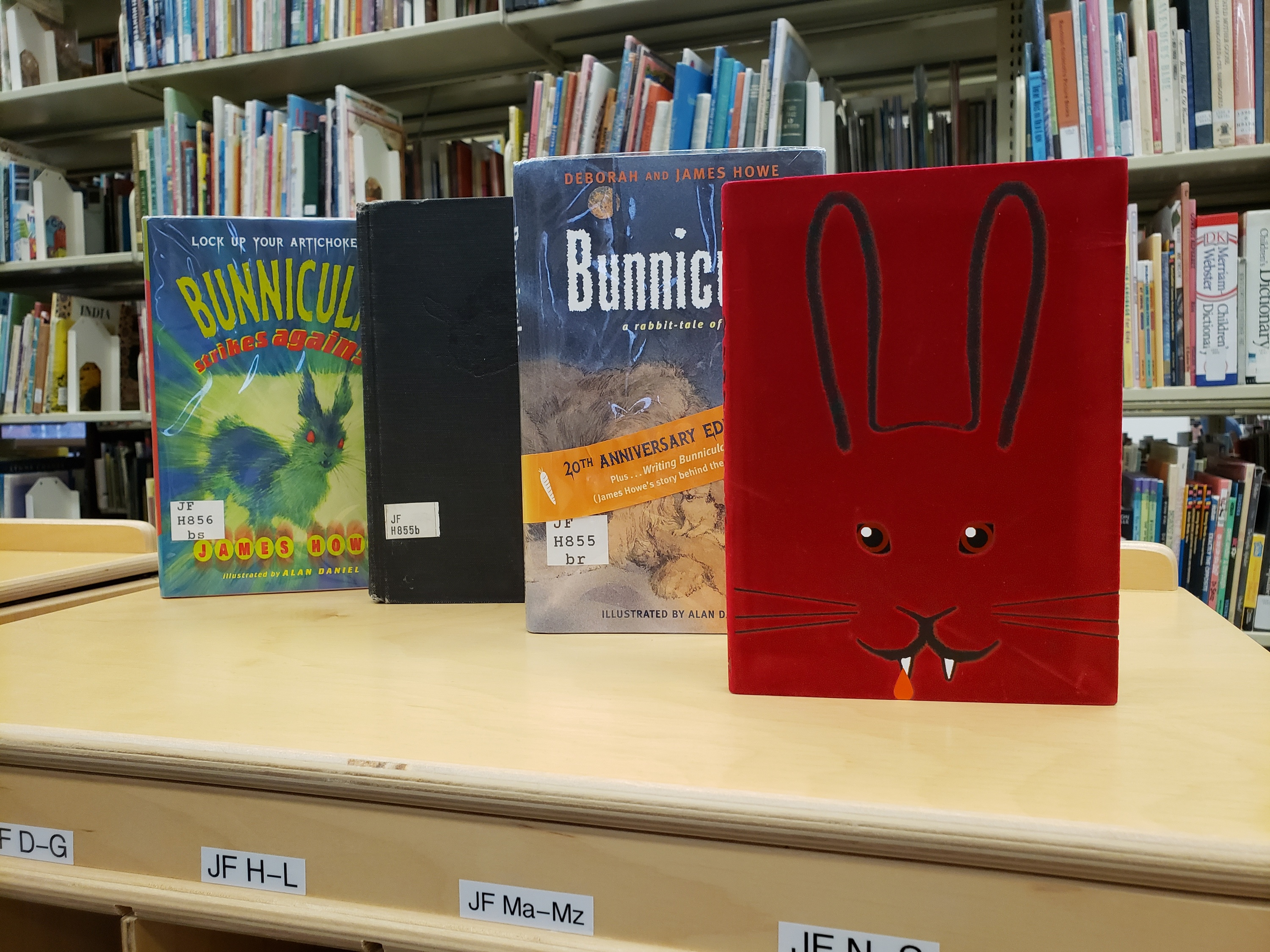 Bunnicula books in the library.
